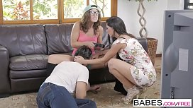 Babes - Step Mom Lessons - Jay Smooth and Alexa Tomas and Julia Roca - Gamer Daze