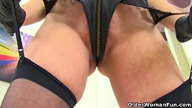 British milf Karina dildos her fanny and arse