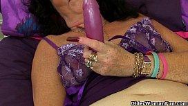 English granny Lacey Starr using her magic wand vibrator