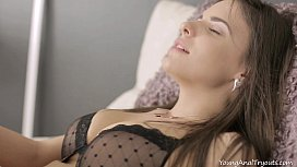 Young Anal Tryouts Luda arches her back