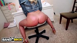 BANGBROS - Blonde PAWG Britney Amber Gets Her Thick Booty Splickity Splacked, Jack