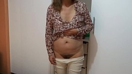 ARDIENTES 69 - MY WIFE IS FASCINATED TO BE LOOKED AT AS SHE IS ON DISPLAY