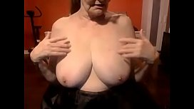 Hottest granny wanted to show her body must see xnxx image