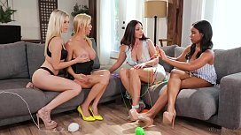 Mom, this is weird! - Alexis Fawx, Mindi Mink, Alex Grey and Jenna Foxx