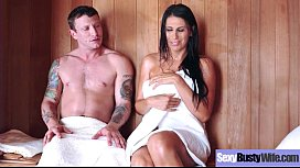 Sexy Housewife (Makayla Cox) With Big Jugss Nailed Hardcore On Cam vid-05