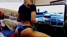 White girl Twerk Pt  2 GTA V Edition