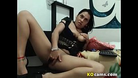Hot milf playing with dildo in her juicy