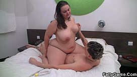 Plump masseuse gets fucked by an young client pornbhub