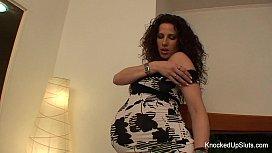 Pregnant babe masturbates