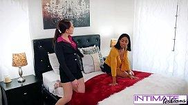 Watch Nickey Huntsman & Jenna Foxx unload a tongue lashing on each other