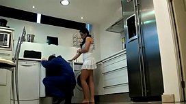 Hidden Cam Dangerous Woman, Plumber Was Captivated
