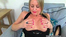British milf Sofia works her craving pussy