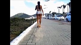 esposa se exibindo sem calcinha