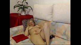Hot mature babe masturbate on webcam - watch live at AngelzLive.com