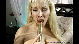 Golden Dildo Makes Me Feel More Horny