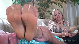 High Heels madam Nicole - Sniffing extreme 2