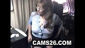 Lovely granny with glasses Camscom