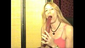 Cynical Angel Dildo Swallowing