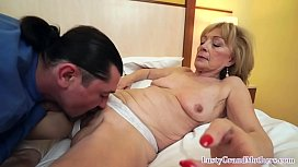 Horny mature grandma pussy fingered