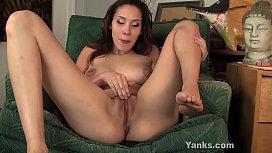 Yanks Asian Cutie Betty Masturbating