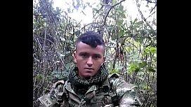 Hetero soldado colombiano engañado\/ trciked colombian soldier