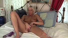 Yanks Granny Barbie Lynn Masturbating