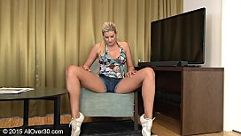 Hot Mom blonde