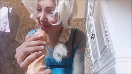 queen Elsa NAKED offer to  ya her ASS! she's not frozen at all! xxx video