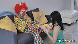 Milfs after party fucky with the lucky clown
