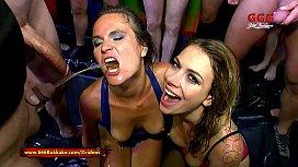 Playful Piss lovers Ani Black Fox and Luisa Bukkake