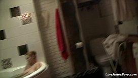 Gi iend plays with boyfriend cock in the bathtub