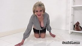 Cheating english mature lady sonia pops out her big breasts