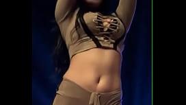 g&aacute_i nhảy sexy