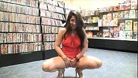 Chica caliente desnud&aacutendose y follada Carla cruz