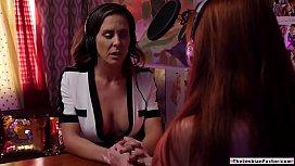 Lesbian artist dovefucked by busty host