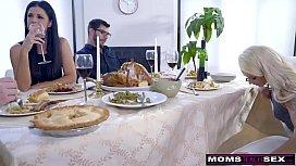 Mom Fucks s. &amp_ Eats Teen Creampie For Thanksgiving Treat