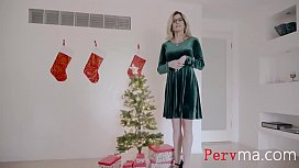 Blonde Busty Mom &amp_ s. Fuck On Christmas As Tradition- Cory Chase