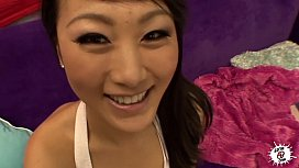 LECHE Stunning Asian babe takes it deep