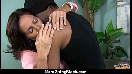 Hot mom receive a huge black dick porn video 19