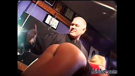 This slut gets an orgasm