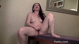 Pierced Yanks Babe Caroline Pierce Masturbates