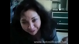Amateur Milf Gives a Blowjob