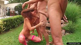 Pervert lady in wild facial foursome in the garden