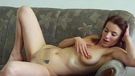 Beauty Victoria Daniels performs perfect masturbation - XCZECH.com