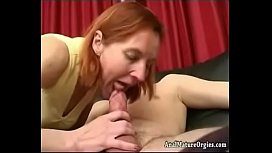 sexmummy com hot mommy having sex with younger guy on sofa1