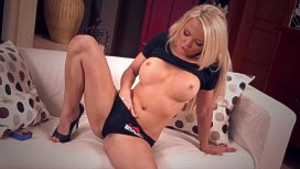 Barbie Blonde Nicky Orgasms Hard candid downblouse