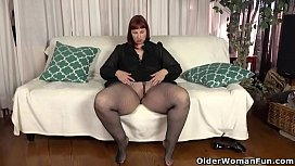 USA milf Scarlett shows us her nyloned wide hips and more jasmin18v