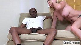 Cuckolding Janna Hicks loves getting her big black present