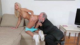 Czech hottie Joleyn Burst fucked by Pavel Terrier