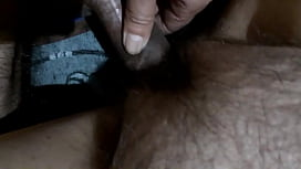 Arab Aunty love to get her hairy pussy rubbed by huge dick ,not able to take whole penis in her vagina hole due to pain